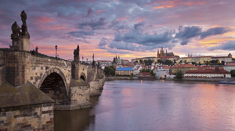Pragu, Vltava River