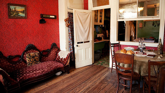 A 1915-era family parlor at the Tenement Museum